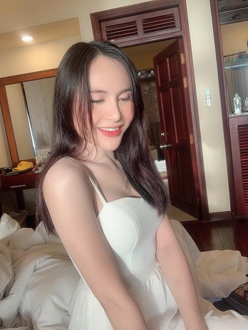Vẻ đẹp duyên dáng của hotgirl