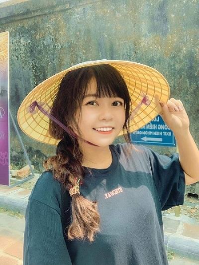 Nguyễn Hoàng Xuân Ngọc bình dị và xinh đẹp